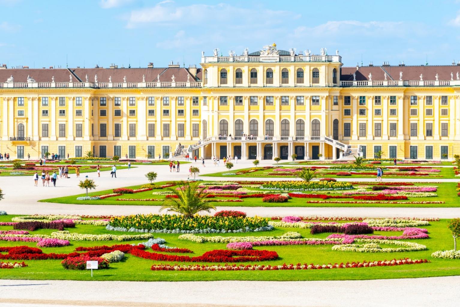Eines der schönsten Freizeitprogramm in Wien ist ein Besuch im Schloss Schönbrunn